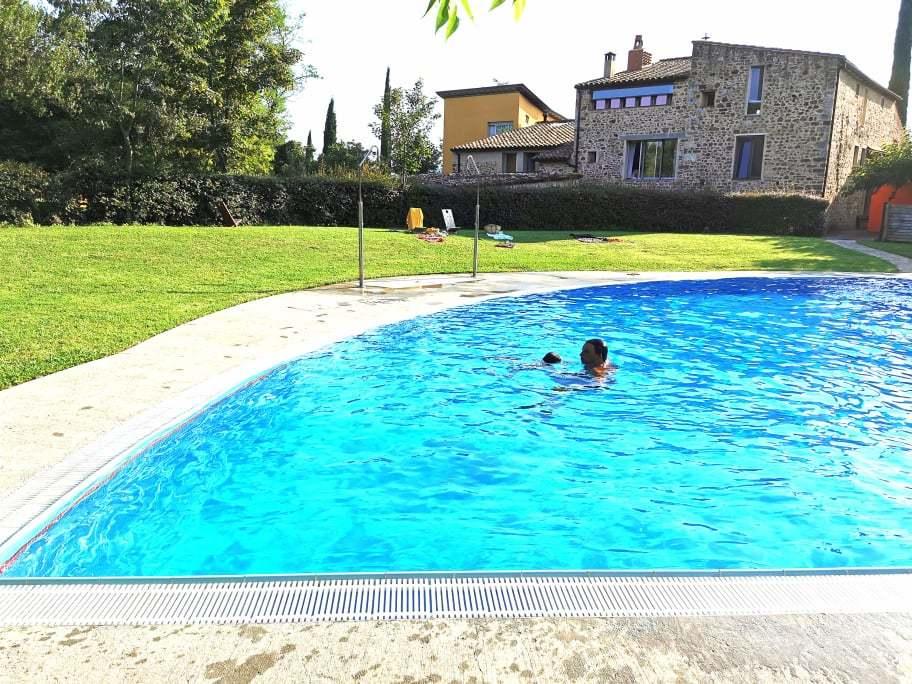 Camping con piscina en La Garrotxa