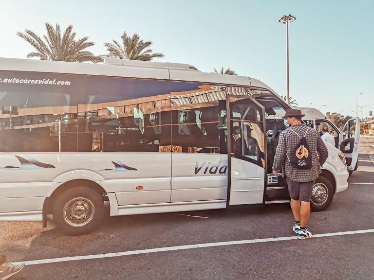 autobús aeropuerto mahón